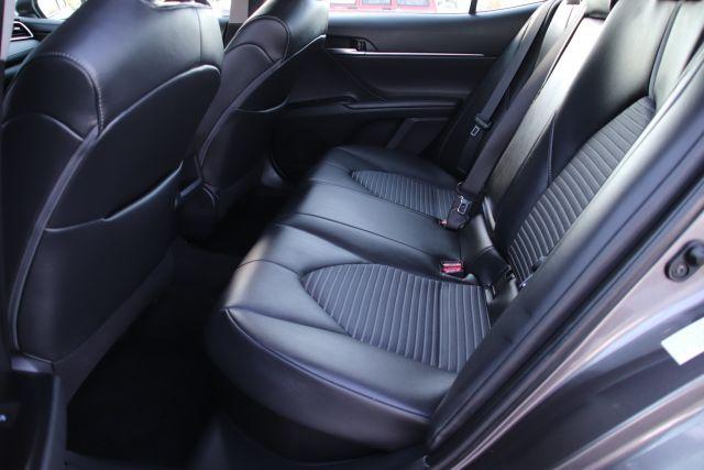 2018 Toyota CAMRY HYBRID HYBRID XLE Sedan