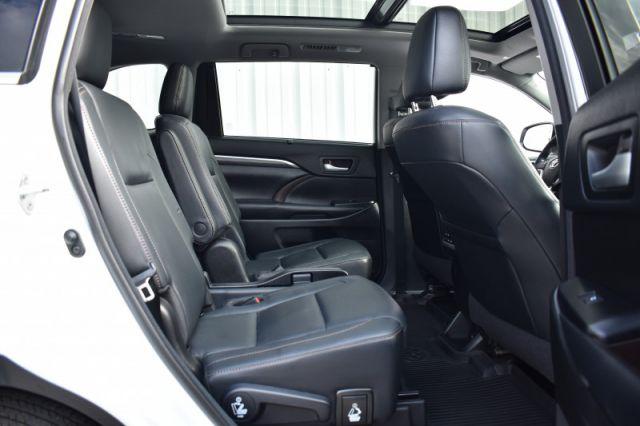 2018 Toyota Highlander Limited AWD  - Navigation