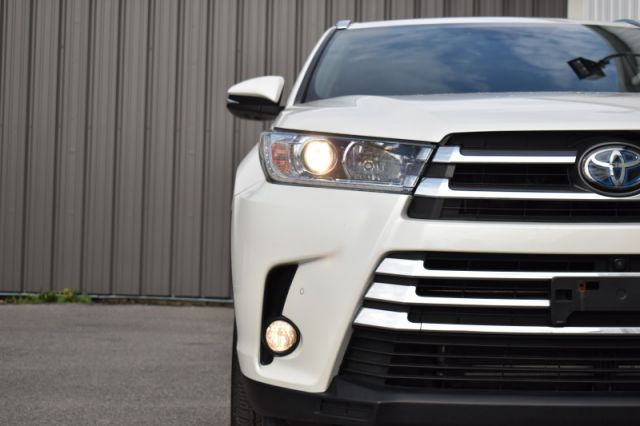 2018 Toyota Highlander Limited AWD   AWD | NAV | LEATHER | REAR & FRONT HEATED SEATS |