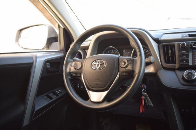 2018 Toyota RAV4 LE  | AWD | HEATED SEATS |