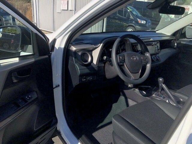 2018 Toyota RAV4 LE FWD