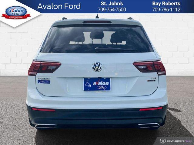2018 Volkswagen Tiguan Comfortline 2.0T 8sp at w/Tip 4MOTION (2)