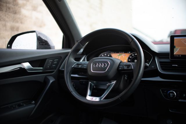 2019 Audi Q5 Technik 45 TFSI quattro  AWD | LEATHER | MOONROOF | DIGITAL DASH