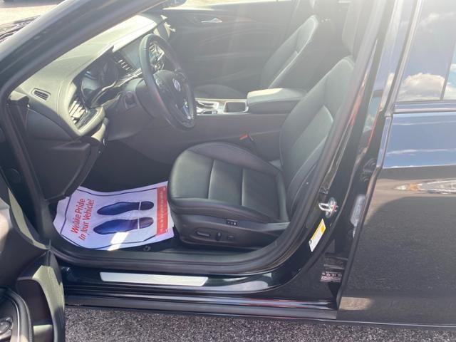 2019 Buick Regal Sportback 4dr Sdn Essence AWD