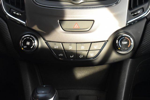 2019 Chevrolet Cruze LS  - Apple CarPlay -  Android Auto