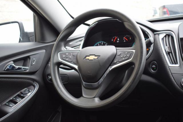 2019 Chevrolet Malibu LT    HEATED SEATS   DUAL CLIMATE