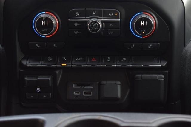2019 Chevrolet Silverado 1500 LT  | LEATHER | DUAL CLIMATE | HEATED WHEEL |
