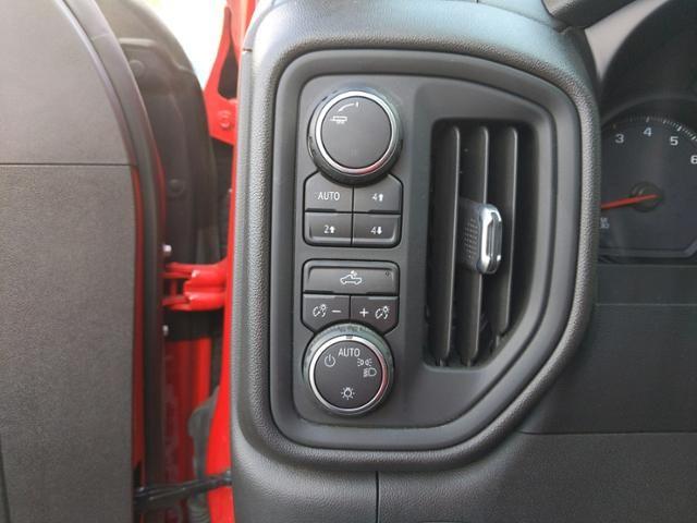 2019 Chevrolet Silverado 1500 4WD Crew Cab 147 Custom Trail Boss