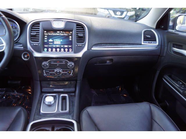 2019 Chrysler 300 4dr