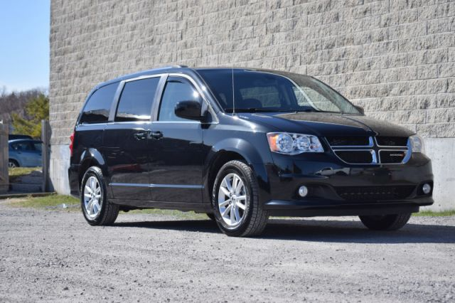2019 Dodge Grand Caravan SXT Premium Plus  | DVD PLAYER | DUAL CLIMATE |