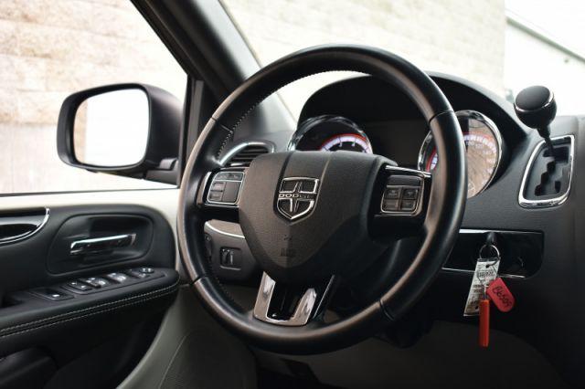 2019 Dodge Grand Caravan SXT Premium Plus  Stow n Go, Back Up Cam, Rear AC!