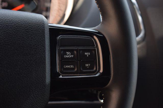 2019 Dodge Grand Caravan SXT Premium Plus    LEATHER   POWER LIFT GATE  