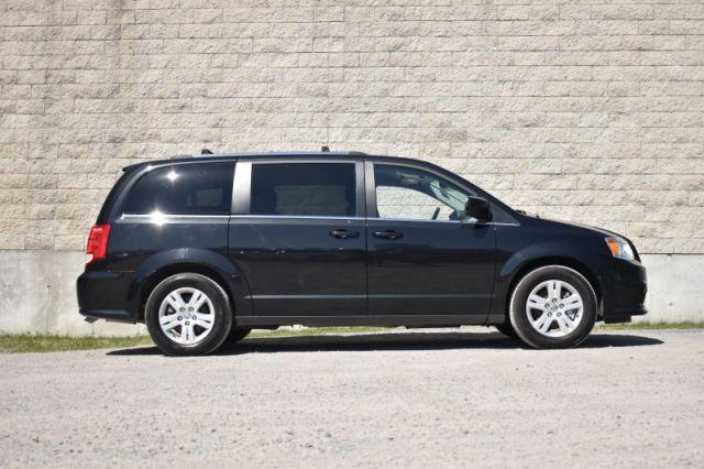 2019 Dodge Grand Caravan Crew Plus    LEATHER   POWER DOORS   DVD  