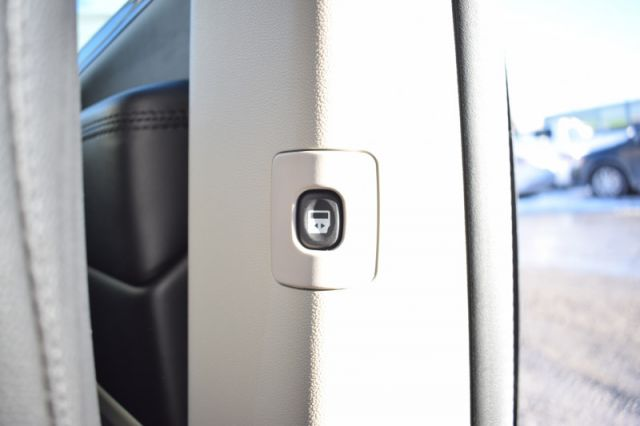 2019 Dodge Grand Caravan Crew Plus  | LEATHER | HEATED SEATS & WHEEL
