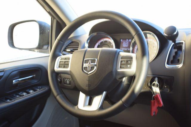 2019 Dodge Grand Caravan Crew Plus    LEATHER   HEATED SEATS & WHEEL