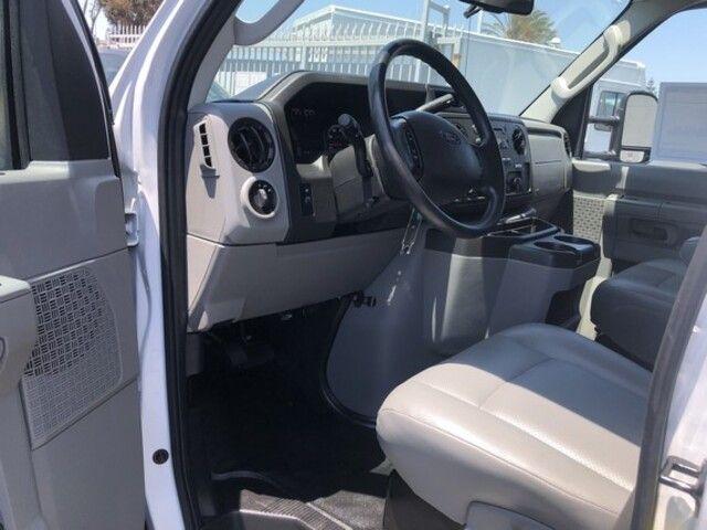 2019 Ford E-Series Cutaway E-450 DRW 176 WB