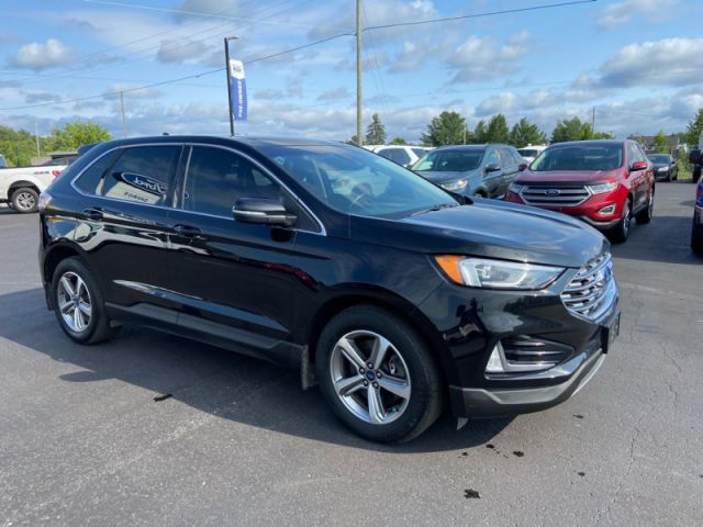 2019 Ford Edge SEL AWD  - One owner - Panoramic Roof - $207 B/W