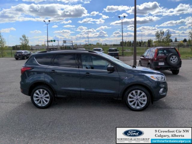 2019 Ford Escape SEL 4WD  |SEL| AWD| LEATHER| MOONROOF|  - $183 B/W