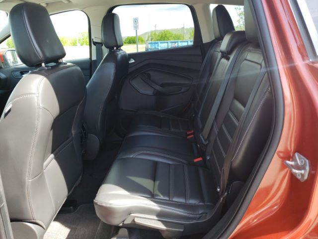2019 Ford Escape SEL 4WD    MOONROOF ADAPTIVE CRUISE  BLIS 