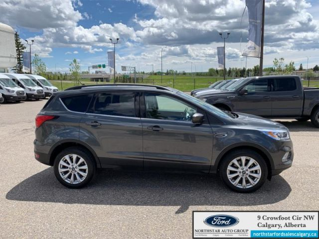 2019 Ford Escape SEL 4WD  | SAFE AND SMART PKG| LEATHER | SUNROOF| ADAPT CRUISE |