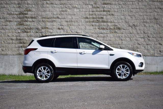 2019 Ford Escape SEL 4WD  | AWD | LEATHER |