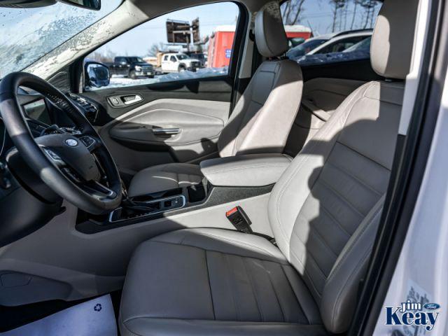 2019 Ford Escape Titanium 4WD   Demo- Navigation -  Leather Seats