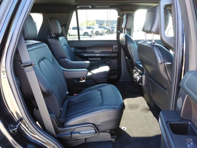 2019 Ford Expedition Limited    360 BACK UP CAMERA 302A LIMITED MOONROOF  MIDDLE BUCK