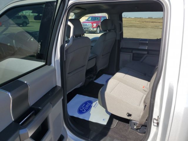 2019 Ford F-150 XLT  $159 / week