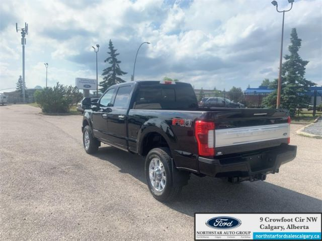 2019 Ford F-350 Super Duty Limited  |LIMITED| LOW KMS| NAV| SUNROOF| LIKE NEW CONDITION| -