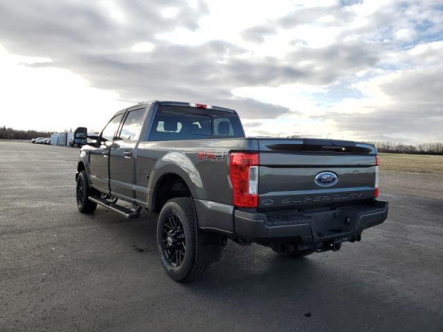 2019 Ford F-350 Super Duty Lariat  Diesel $299 / wk