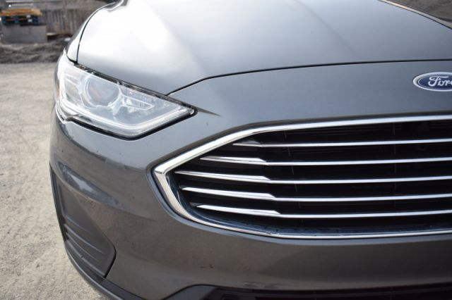 2019 Ford Fusion SE    HEATED SEATS   DUAL CLIMATE  