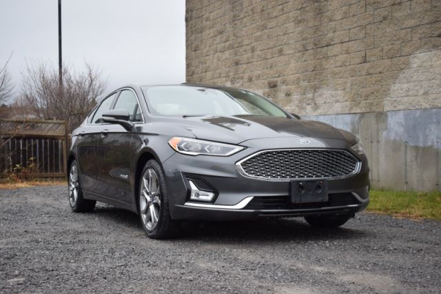 2019 Ford Fusion Hybrid Titanium  BACKUP CAM | LEATHER SEATS | SUNROOF | NAV | HE
