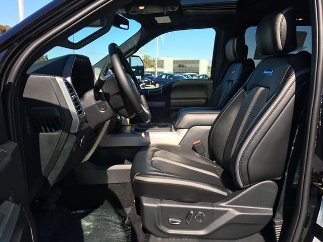 2019 Ford Super Duty F-250 SRW Platinum 4WD Crew Cab 6.75 Box