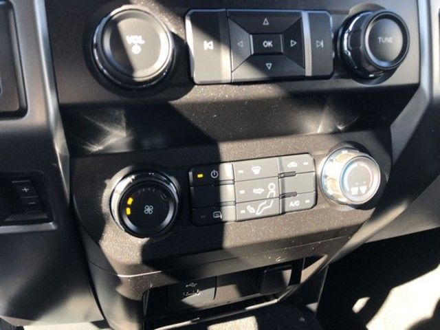 2019 Ford Super Duty F-350 DRW XLT 4WD Crew Cab 8 Box