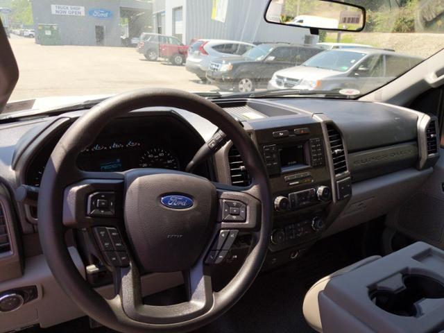 2019 Ford Super Duty F-350 SRW XL 2WD Reg Cab 145 WB 60 CA