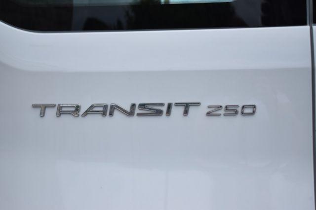 2019 Ford Transit Van XL    BACK UP CAM   VINYL FLOORS  