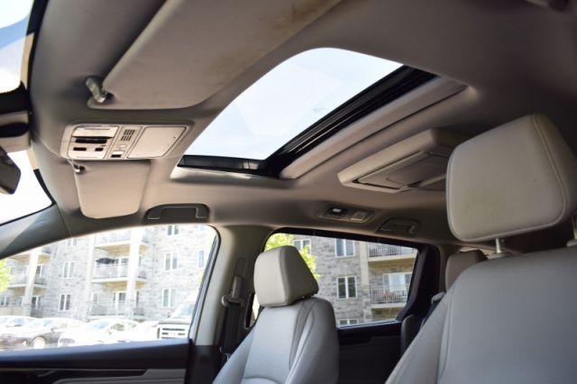 2019 Honda Odyssey Touring  |  NAV | HEATED & COOLED SEATS |