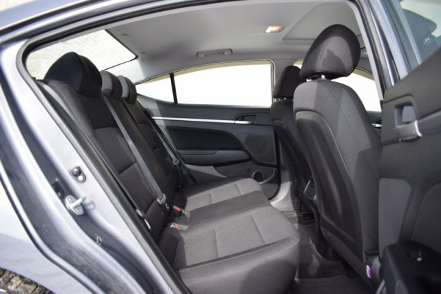 2019 Hyundai Elantra Preferred w/sun and safety pkg  | SUNROOF | BLINDSPOT MONITORING
