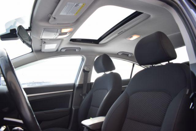 2019 Hyundai Elantra Preferred w/sun and safety pkg    SUNROOF   BLINDSPOT MONITORING