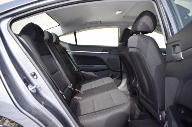 2019 Hyundai Elantra Preferred w/sun and safety pkg    SUNROOF  
