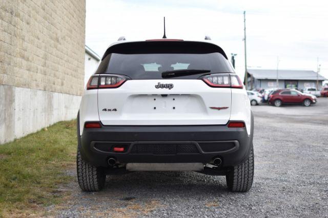 2019 Jeep Cherokee Trailhawk    4X4   POWER LIFTGATE
