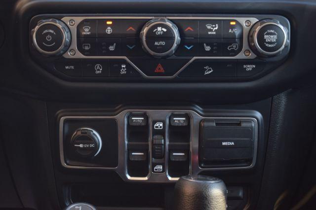 2019 Jeep Wrangler Unlimited Sahara    DUAL CLIMATE   HEATED SEATS  