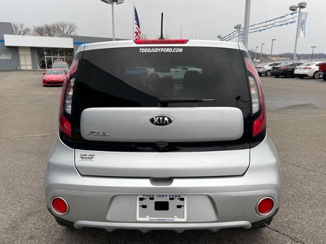 2019 Kia Soul + Auto