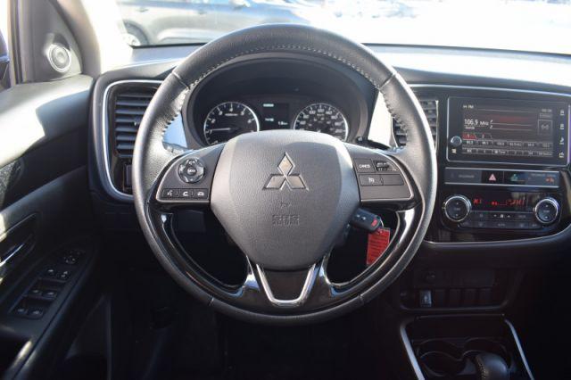 2019 Mitsubishi Outlander ES    AWD   DUAL CLIMATE  