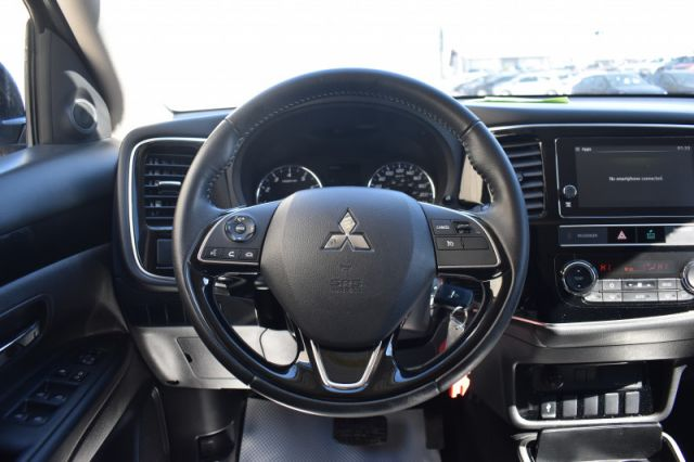 2019 Mitsubishi Outlander ES  | HEATED SEATS | BACK UP CAM |