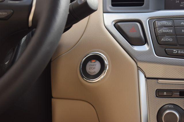 2019 Nissan Pathfinder 4x4 SL Premium  - Sunroof