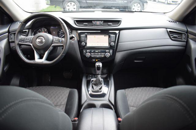 2019 Nissan Rogue AWD SV    HEATED SEATS & WHEEL   NAV  