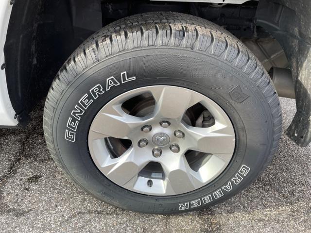 2019 Ram 1500 Big Horn/Lone Star 4x4 Quad Cab 64