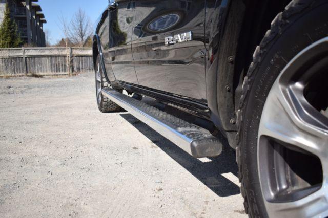 2019 Ram 1500 Laramie    4X4   HEATED & VENTED SEATS  