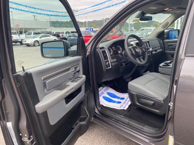 2019 Ram 1500 Classic SLT 4x4 Crew Cab 64 Box